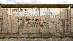 1989—The Fall of the Berlin Wall