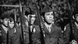 On Two Fronts - Latinos and Vietnam